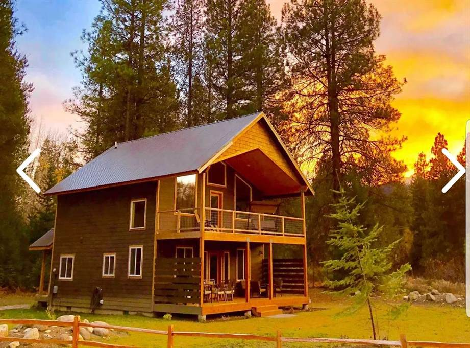 Cabin near Wenatchee river